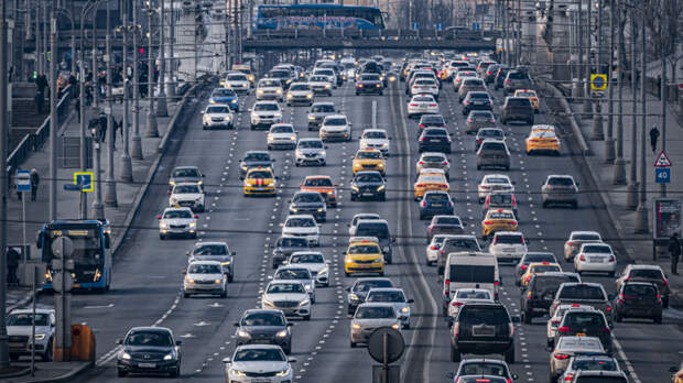 С миллиона уже бы брали, что мелочиться: Граждан неприятно удивил расширенный список авто, облагаемых налогом на роскошь