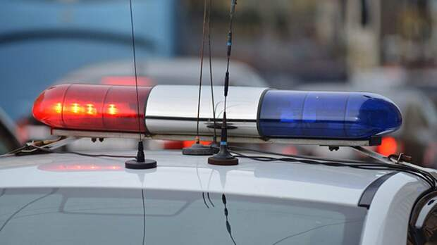 Волгоградцу грозит лишение прав из-за езды с полицейскими мигалками