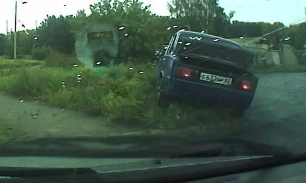 Подростки на Жигулях сбили пенсионера. Таксист бросился в погоню