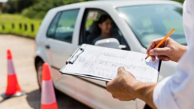 Новые программы обучения водителей могут ввести в 2021 году