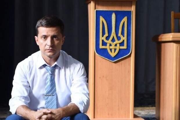 Зеленскому запретили переходить на русский во время официальных выступлений