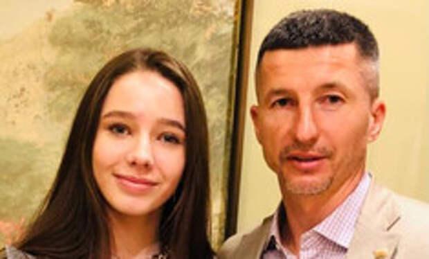 Юлина улыбка и глаза: дочь Началовой растет ее копией