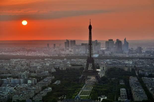 Франция начала экстренно скупать газ у России