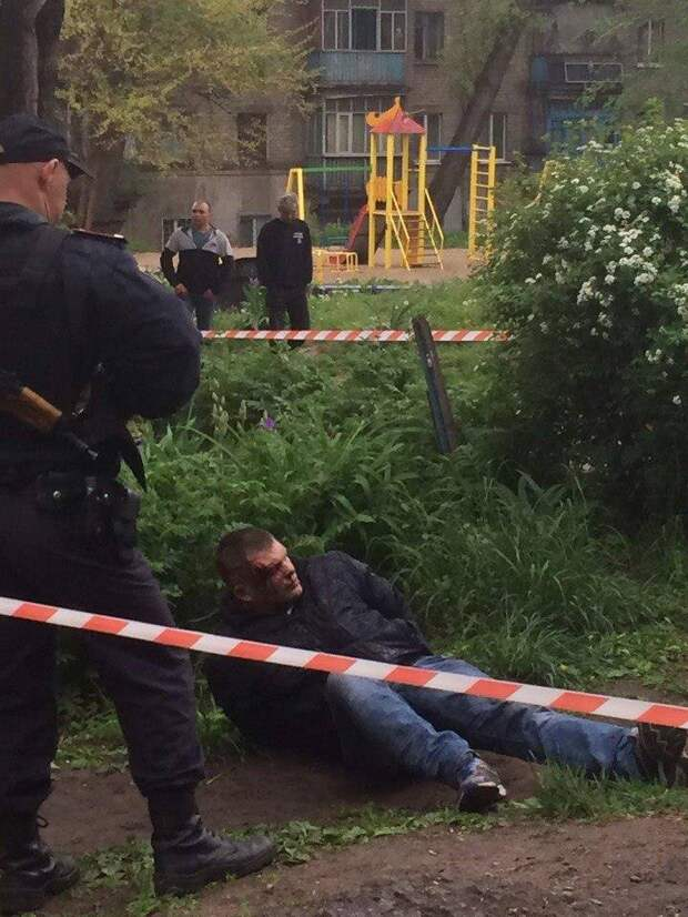 """На Украине охрана Яроша прострелила таксисту ноги за отказ произнести """"Слава Украине"""""""