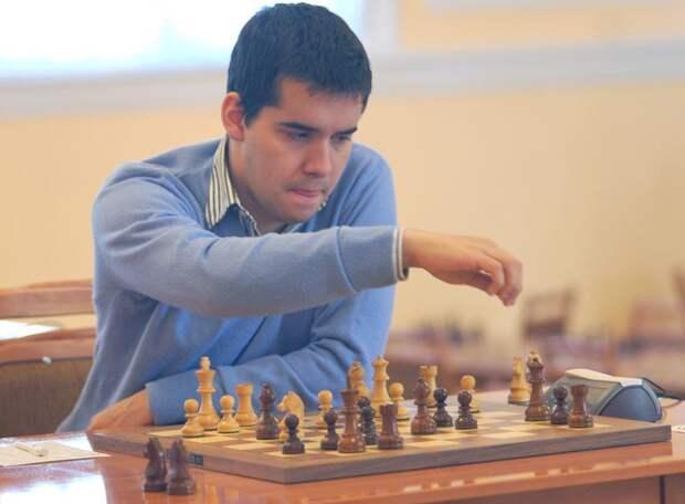 Российский гроссмейстер упрочил лидерство на турнире претендентов, но вся борьба впереди