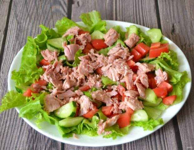 Салат с тунцом и овощами. Вкусное и сытное блюдо 2