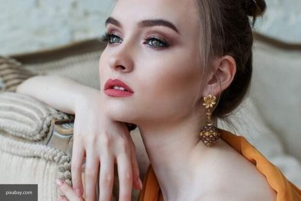Визажист назвала три главные ошибки при макияже глаз