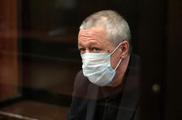 Бывшему адвокату Михаила Ефремова вынесли предупреждение