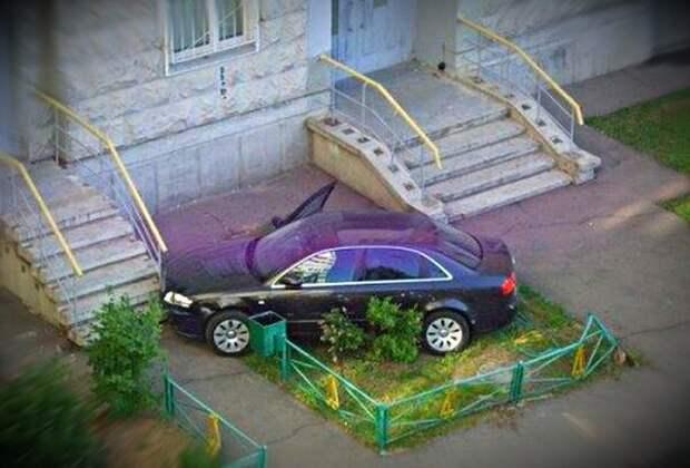 Как «интеллигент» проучил хама за парковку на газоне