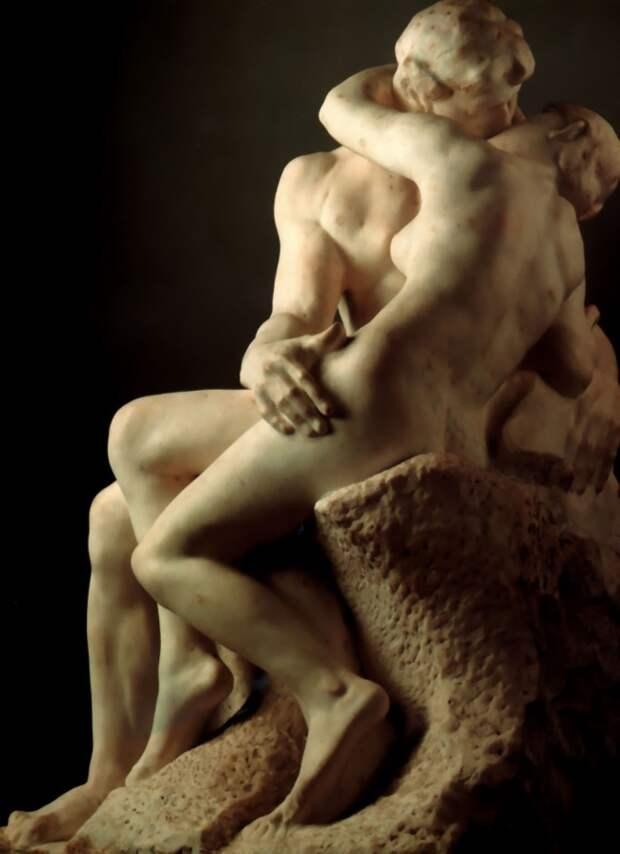 На эти скульптуры неловко смотреть, но невозможно отвести взгляд!