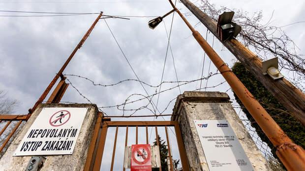 СМИ сообщили о пропаже вооружения со складов во Врбетице после взрывов