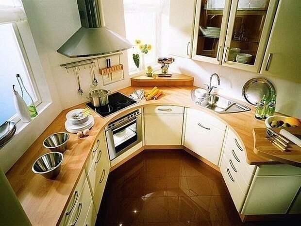 Как обустроить маленькую кухню? 10 полезных советов для каждого дома