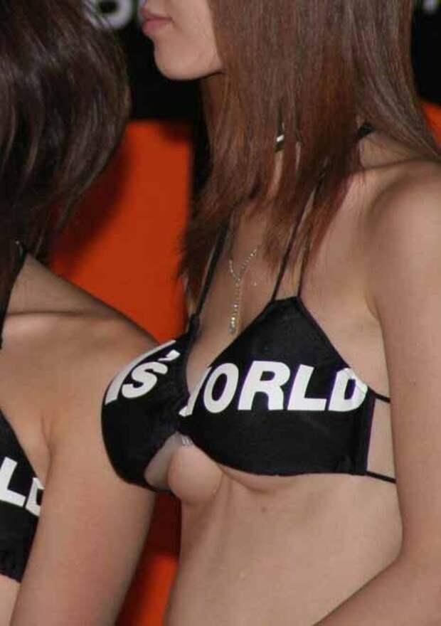 Что современные девушки только не подкладывают, чтобы сделать свою грудь заметнее  девушки, обман, юмор