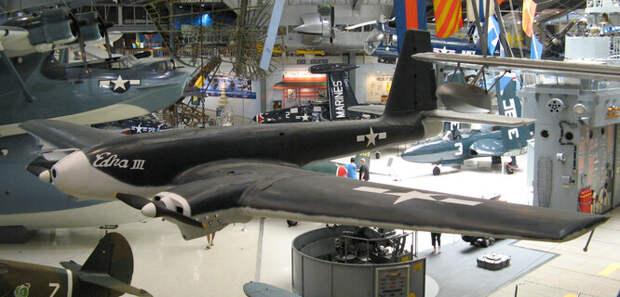 Interstate TDR – американский беспилотный бомбардировщик, один из первых в мире. TDR был создан из самых дешёвых материалов и нёс лишь одну торпеду, но управление на расстоянии позволяло терять самолёты без опасности для пилотов. Особенно это удивляло японцев, сначала посчитавших, что США переняли их тактику камикадзе.