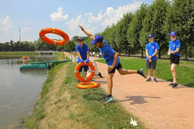 Водные спасатели проводят занятия с участниками проекта «PROГероев»