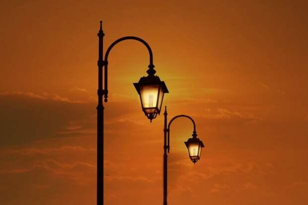 Во дворах и около школ района Ховрино установят 84 новых фонаря