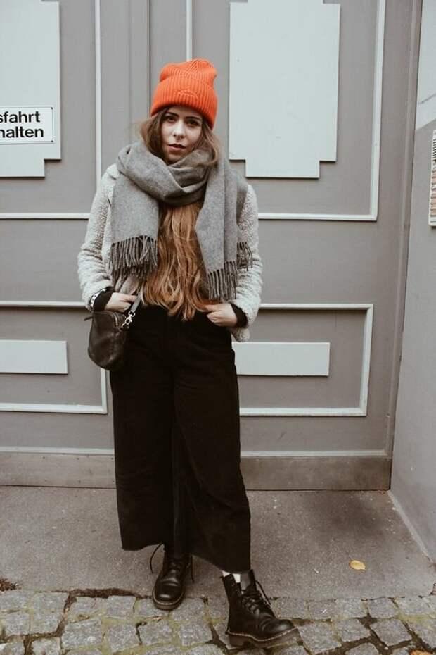 5 сочетаний с шапкой, чтобы не быть старомодной этой зимой