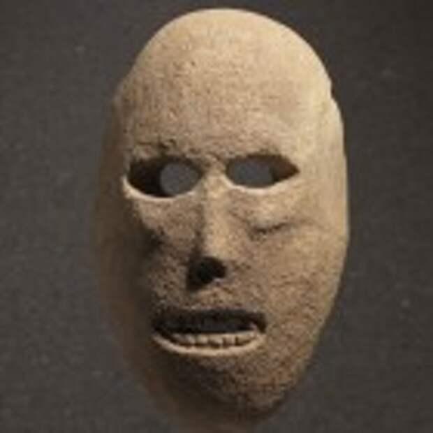 Mask, Provenance unknown, Judean hills or Judean foothills, Pre-Pottery Neolithic B, 9,000 years old. (photo credit: Elie Posner/Israel Museum, Jerusalem)