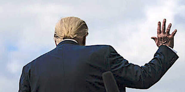 Трампа давят, а его поддержка среди американцев растет