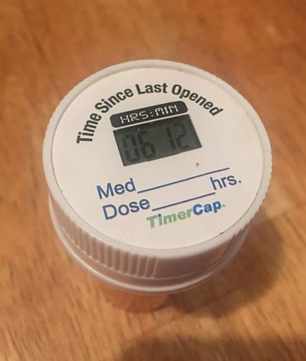 Баночка с таблетками показывает, когда вы в последний раз ее открывали идеи, необычно, нестандартно, нестандартные идеи, оригинально, оригинальные решения, проблемы, решения