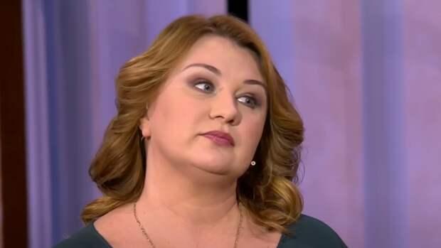 Журналистка заявила об избиении со стороны жены актера Полицеймако
