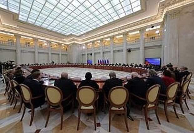 Совместное заседание Совета покультуре иискусству иСовета порусскому языку