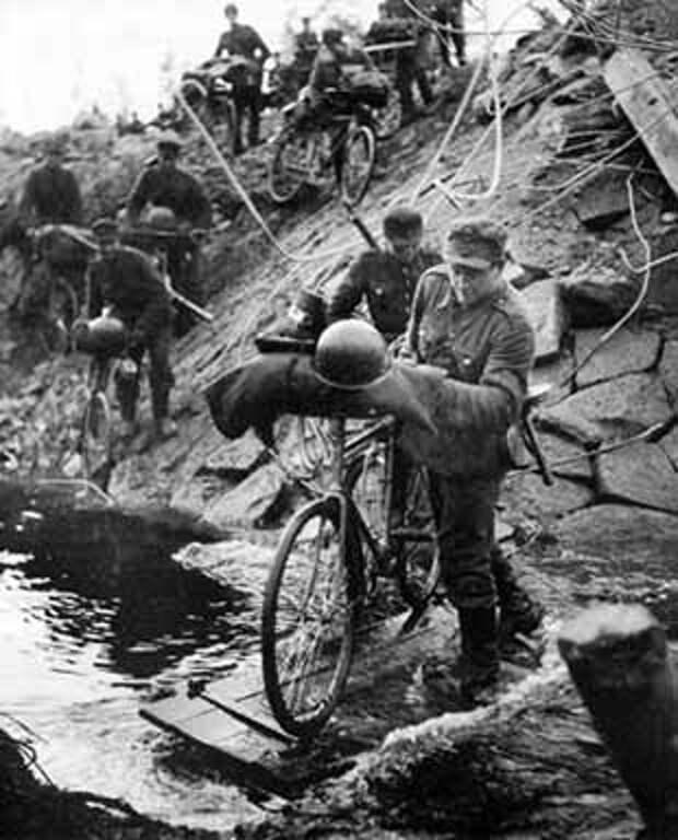 Средневековый Велосипед из Шато-Гайар