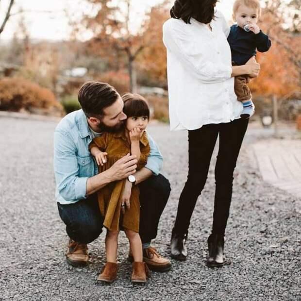 Этот отец двух детей объяснил, почему он не женат только на одной женщине