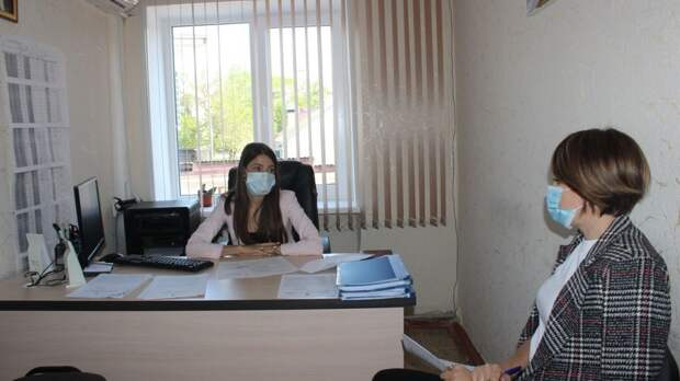 Руководитель аппарата администрации Сакского района Ольга Россоловская провела рабочее совещание