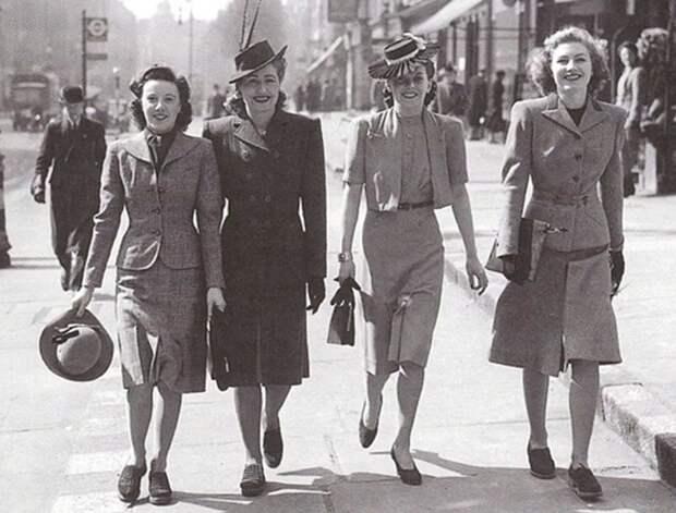 50е годы постепенно начали открывать дверцу на запад, откуда начали просачиваться модные тенденции. манекеншицы, модели, советский союз