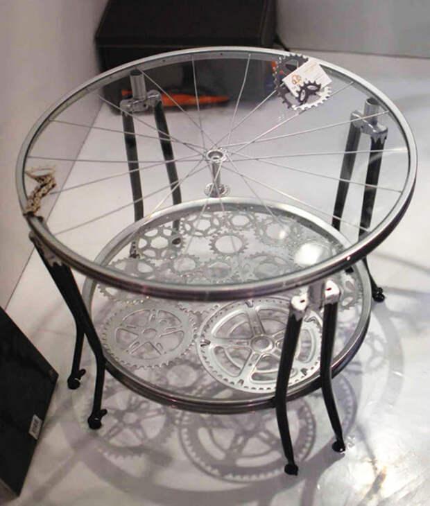 Оригинальный кофейный столик из старого велосипеда