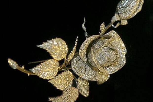 Бриллиантовая роза из Алмазного фонда