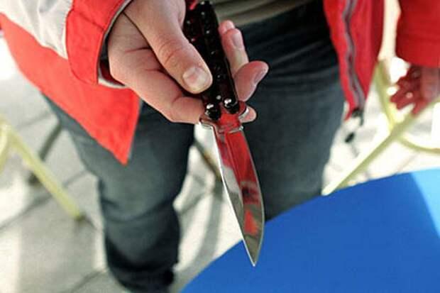 Многодетный отец зарезал парня-обидчика сына у главного рынка в Астрахани