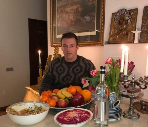Гонщик «Формулы-1» Даниил Квят: Русский и православный перед неграми на колени не встает