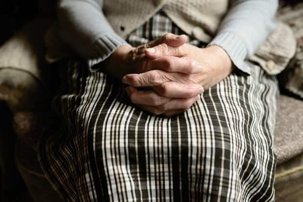 В Ижевске притворившийся электриком мужчина украл у пенсионерки 150 тысяч рублей
