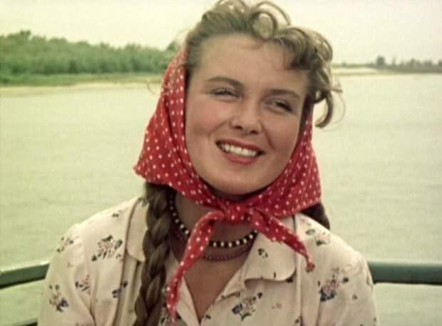 Изольда Извицкая в фильме *Доброе утро*, 1955 | Фото: kino-teatr.ru