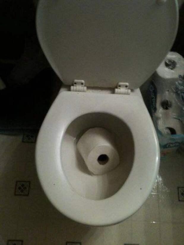 Упала в туалет