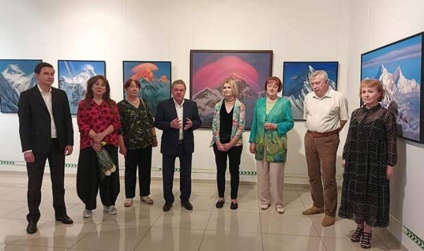 В Краснодаре на выставке Сергея Дудко презентовали книгу о нем