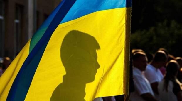 Экс-премьер Украины раскрыл секрет военной истерии Зеленского