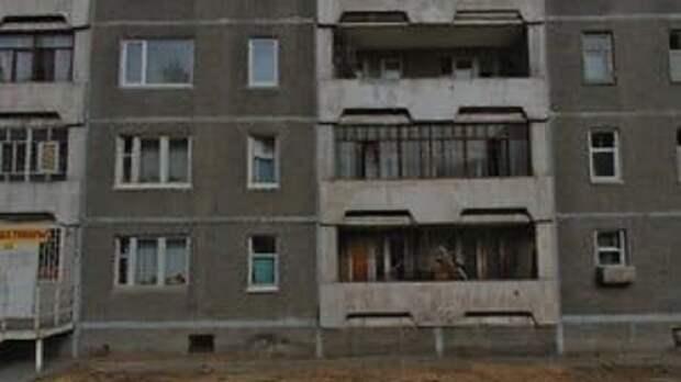 В Череповце ребенок упал с 3 этажа