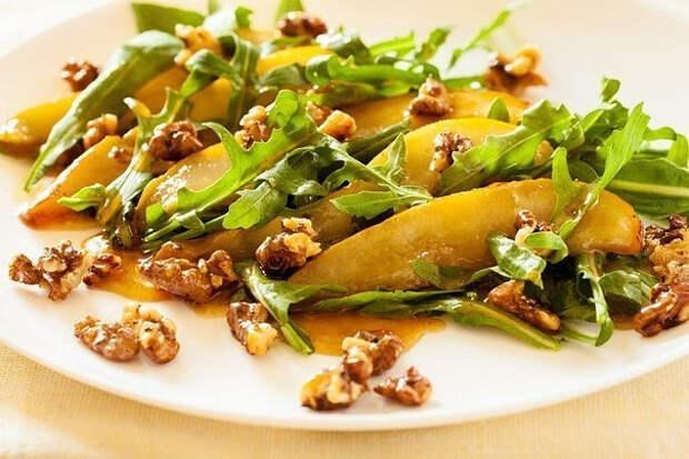 ПОХУДЕЙКИНЫ РЕЦЕПТЫ. Теплый салат с грушей, орехами и сыром