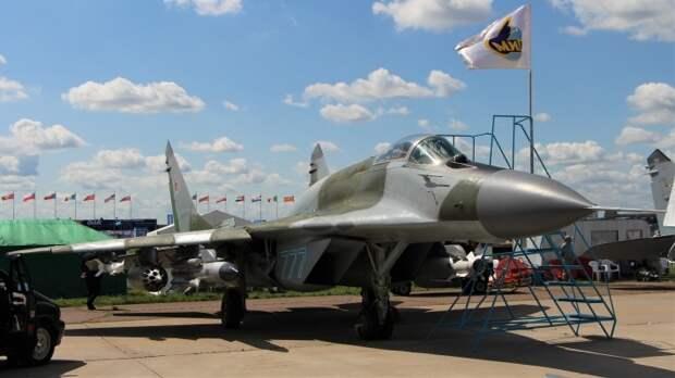 В Минобороны рассказали, когда в ВКС РФ появятся первые летчицы-истребители