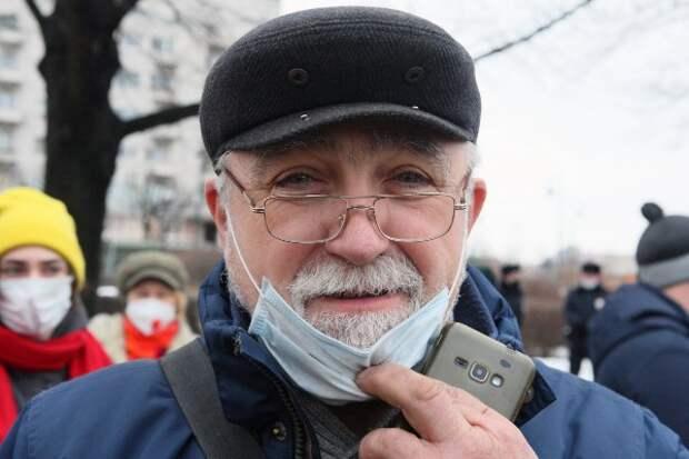 Каждый седьмой россиянин выступил за бессрочный масочный режим