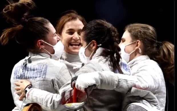Российские саблистки завоевали золото в командном турнире на Олимпиаде в Токио