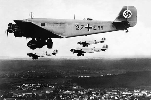 Бомбардировщики «Юнкерс-52».