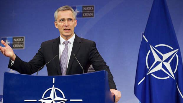 Столтенберг заявил о готовности НАТО вести диалог с РФ, не ослабляя санкции