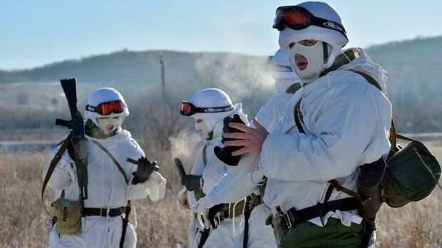 Мотострелки ЗВО отразили нападение условного противника на учениях в Ленобласти