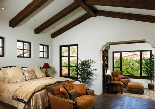 Интерьер спальной комнаты в испанском стиле
