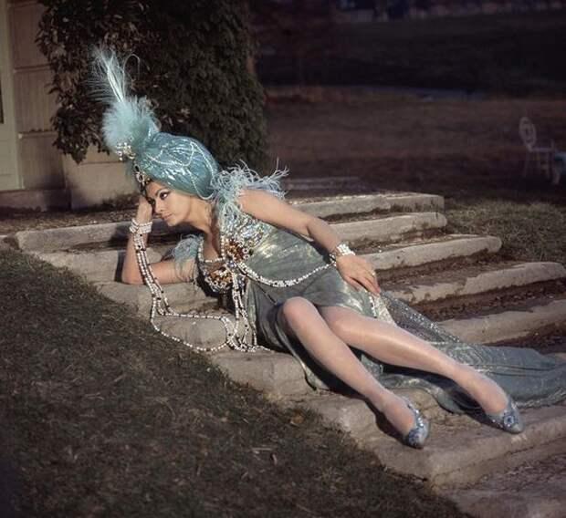 """Софи Лорен на съемках фильма """"Леди Л."""" (1965)."""