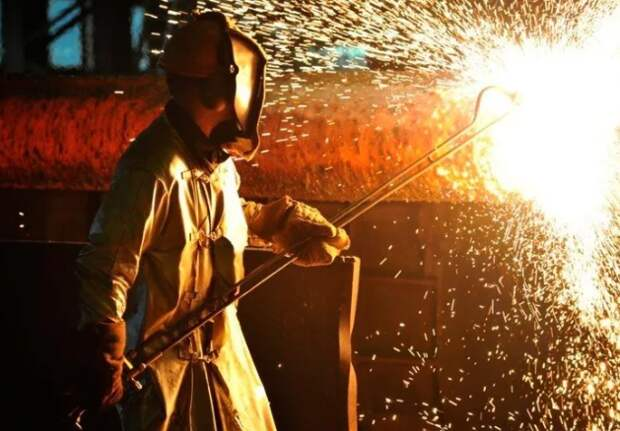 Кабмин рассмотрит разные инструменты стабилизации цен на металл для госпроектов - Белоусов